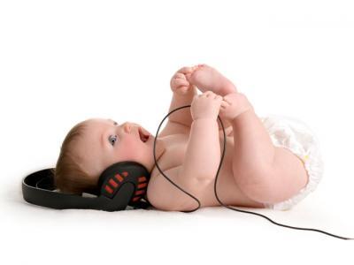 bebe-con-musica_0